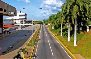 Aeropuesto Internacional Simón Bolívar / Maiquetía / Edo. Vargas / Venezuela