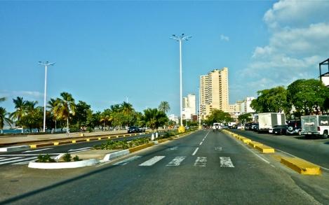 Paseo Colón / Puerto La Cruz / Edo. Anzoátegui / Venezuela
