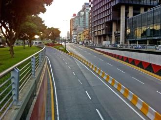 Plaza Venezuela / Caracas / Venezuela