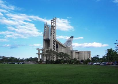 Basílica de la Virgen de la Coromoto / Edo. Portuguesa / Venezuela