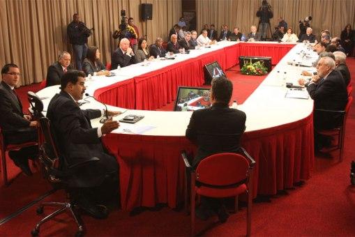 reunion dialogo panorama