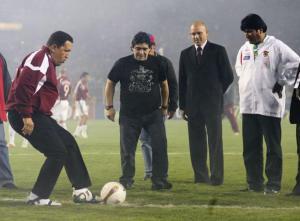 Hugo-Chavez-disputa-partido-futbol-Evo-Morales-Maradona-otros
